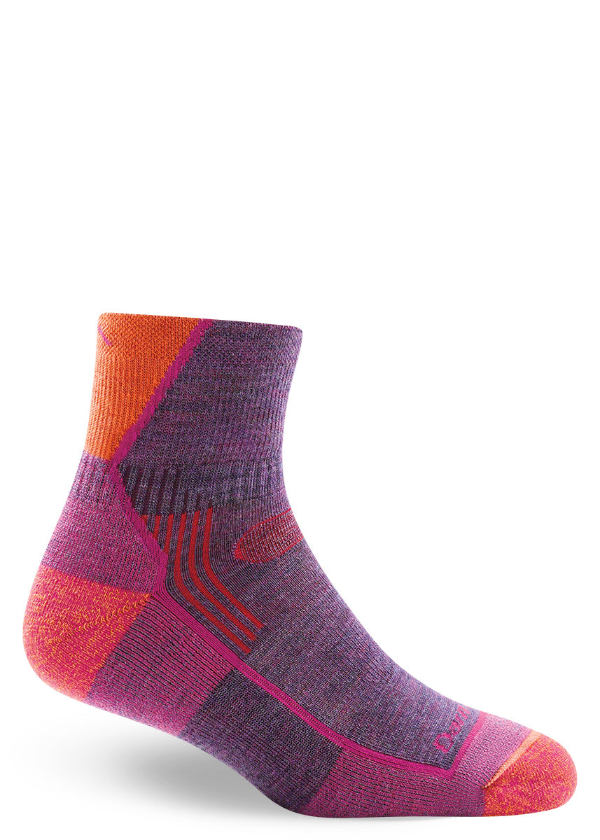 Low-rise merino wool hiking socks for women in purple and pink