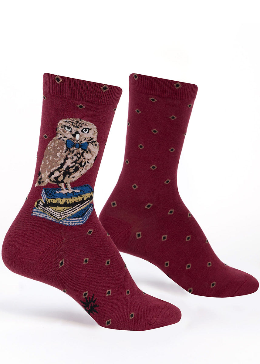Reading socks for women feature an adorable owl with a bowtie resting on a stack of books.