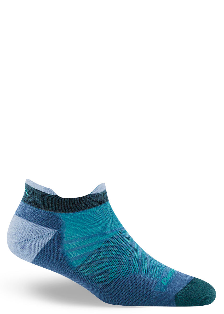 Wool running socks for women come in a comfortable ankle-length with a design featuring different shades of blue.