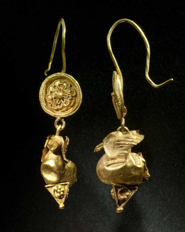 A pair of Greek Gold Dove Earrings, Hellenistic Period, ca 3rd - 1st century BC - Sands of Time Ancient Art