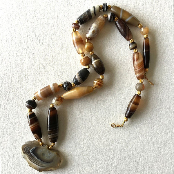 A Western Asiatic Gold and Banded Agate Necklace, ca. 1st millennium BC - Sands of Time Ancient Art