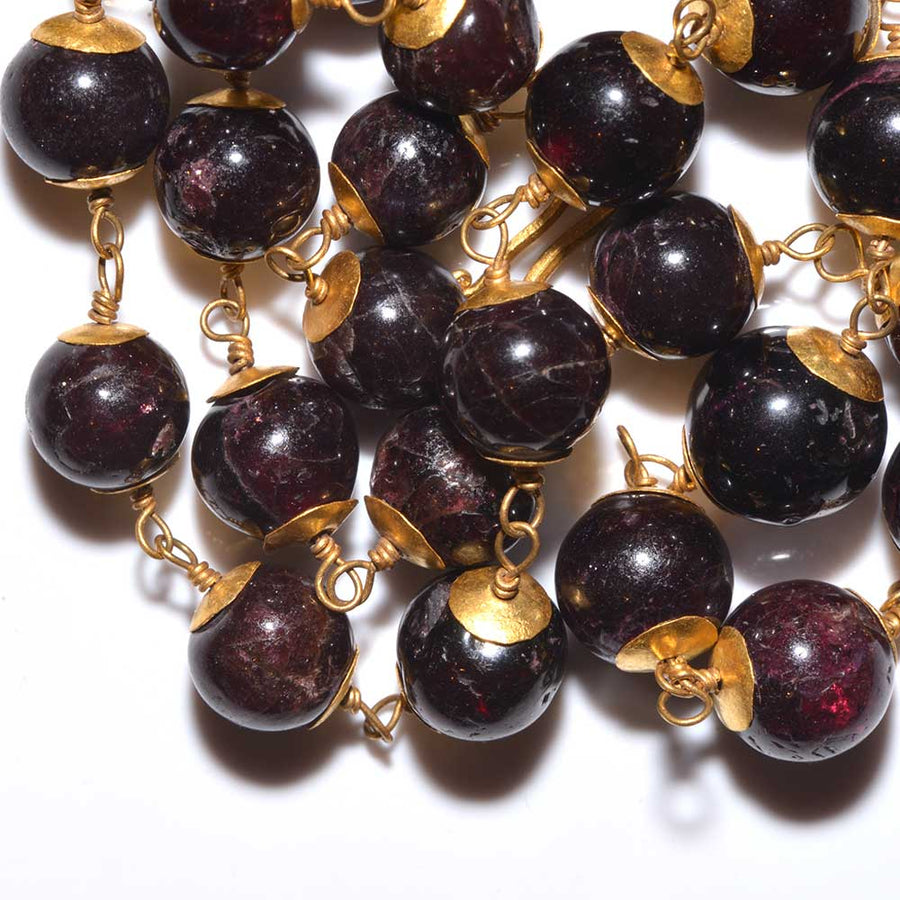 * A Roman Gold and Garnet Bead Necklace, ca. 1st century AD