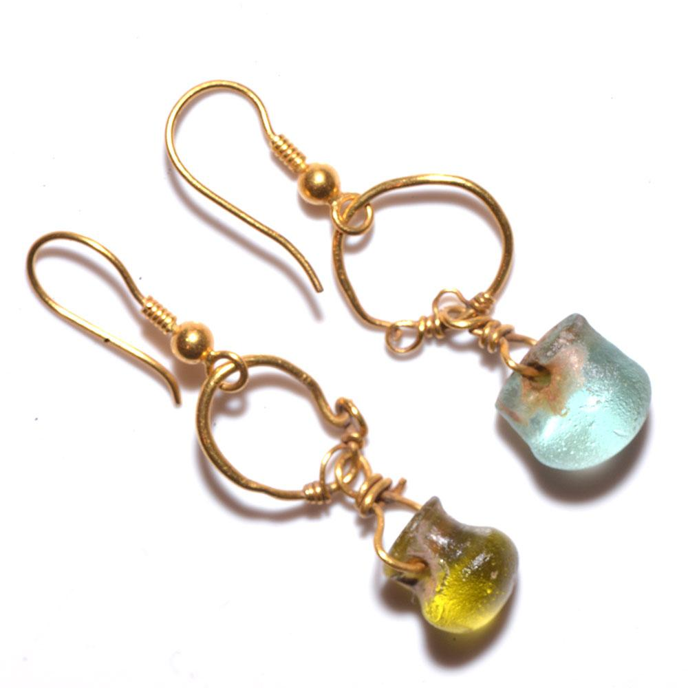 A pair of Roman Gold and Glass Earrings, Roman Imperial Period, ca. 1st Century AD - Sands of Time Ancient Art
