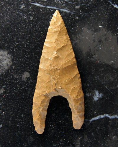 A fine Egyptian PreDynastic Chert Arrowhead, ca 3800-3200 BC - Sands of Time Ancient Art
