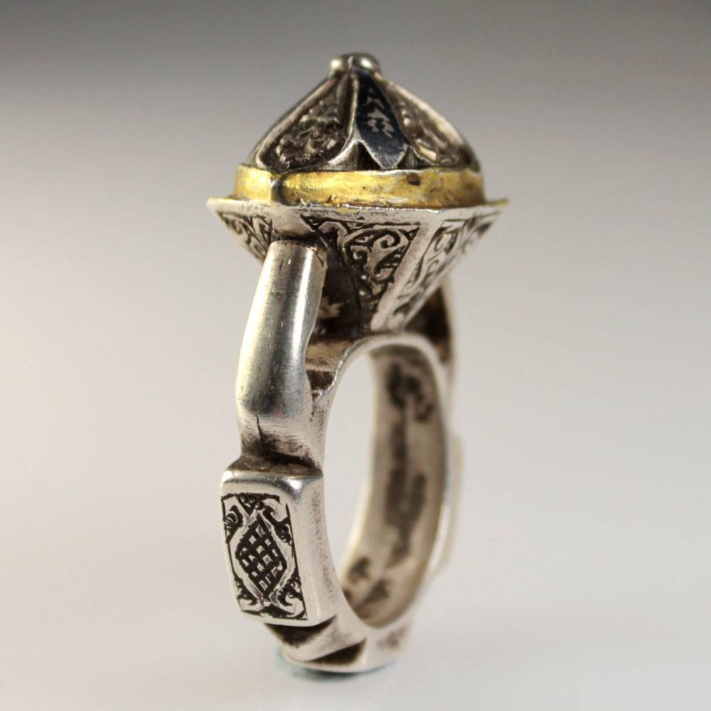 A late Medieval Frankish silver ring, ca 15th century AD - Sands of Time Ancient Art