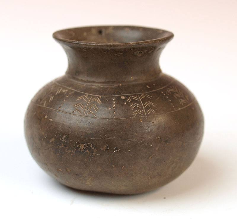 A fine Ancient Iranian Greyware Jar, ca early 1st millennium BCE - Sands of Time Ancient Art