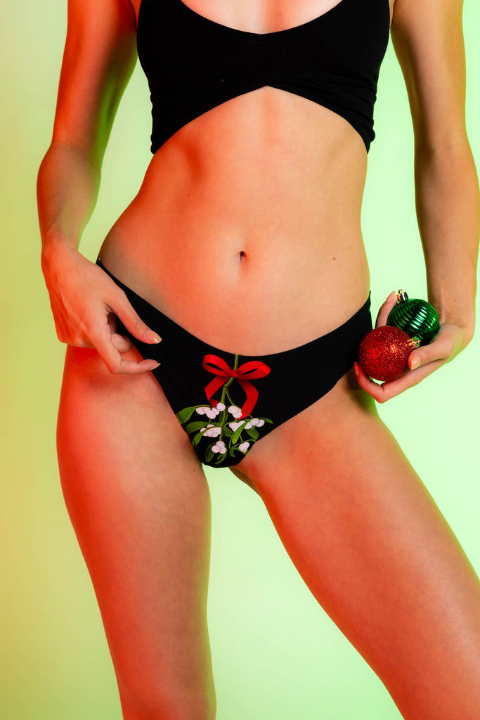 Right on the Lips | Mistletoe Seamless Thong