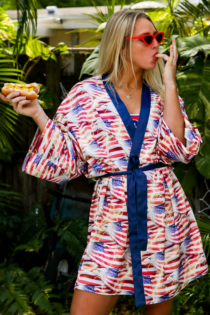 The American Thundress | Ladies Eagle Lightning Flag Unisex Kimono
