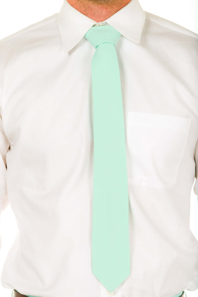 Men's mint green tie