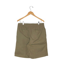 Load image into Gallery viewer, Tommy Hilfiger Chino Shorts - Men's 32