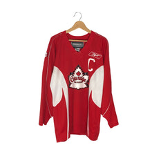 Load image into Gallery viewer, Vintage Courage Canada Power #09 Jersey - Women's Large