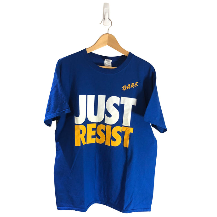 Vintage DARE Just Resist T-Shirt *L*