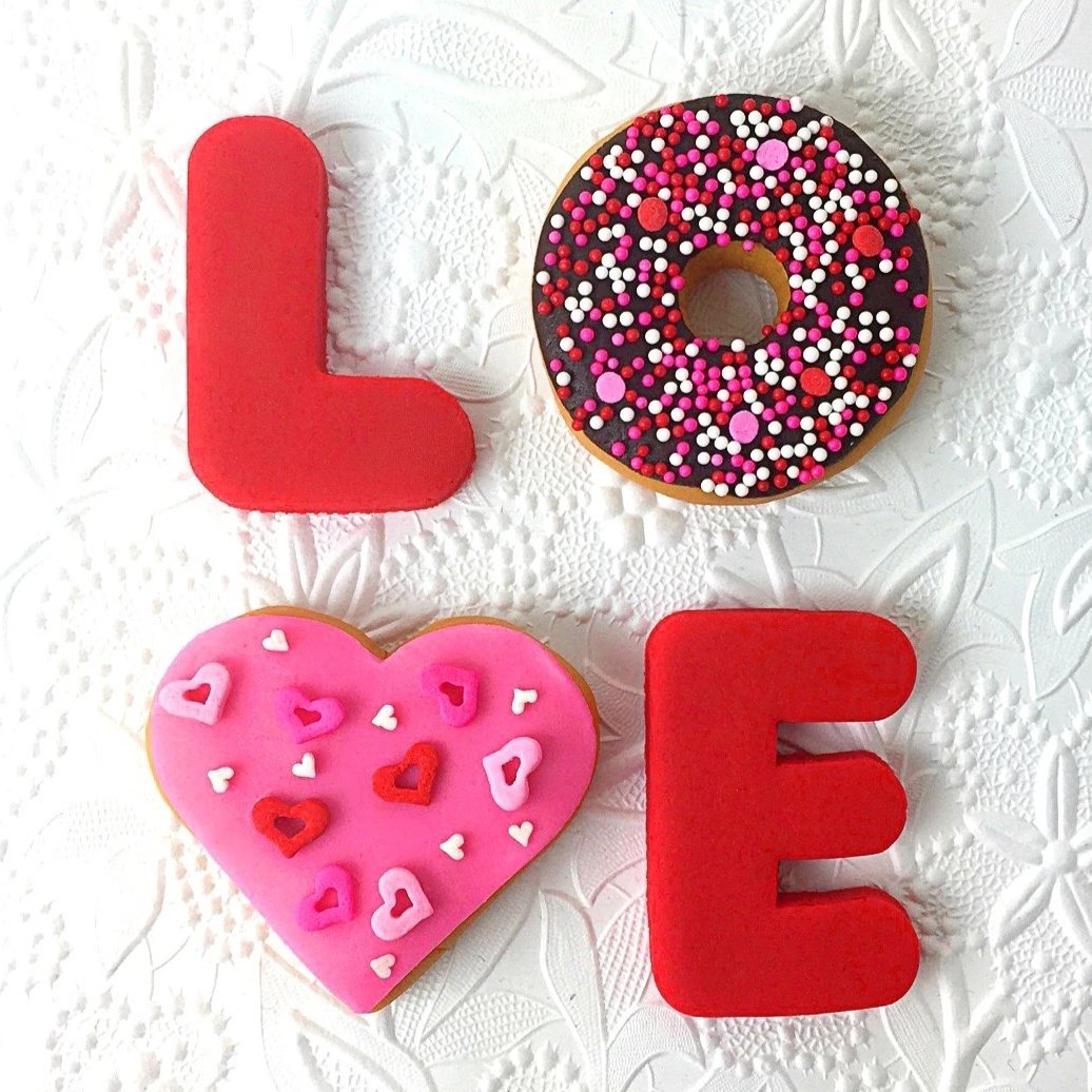 Valentine's Day love donuts doughnuts marzipan candy sculpture treats