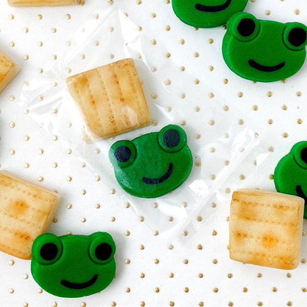 Passover matzah & green frogs mini marzipan candy bites duets gold dots