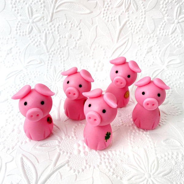 gluckschwein cutie pink pigs in a crowd