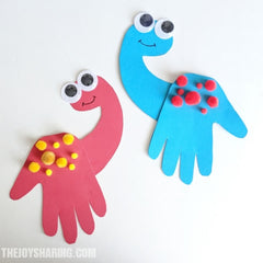 dinosaur hand print craft