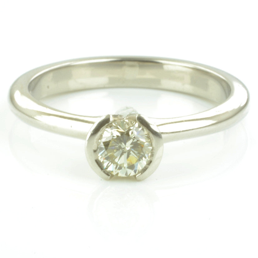 Platinum Diamond Solitaire