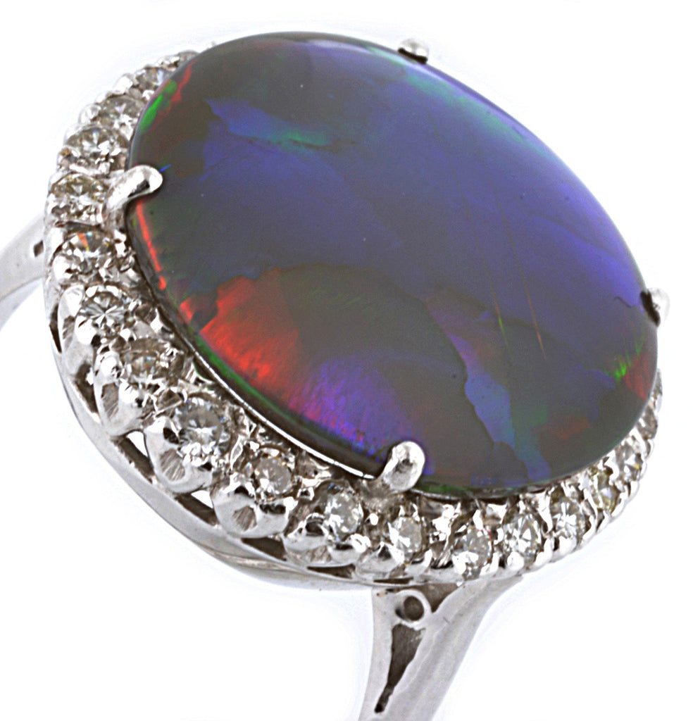 18ct White Gold Opal Ring