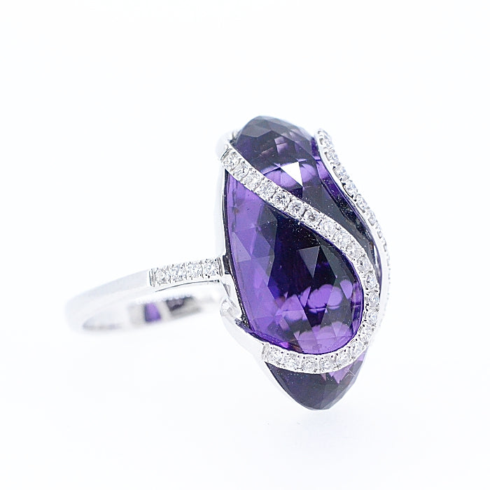 18 ct White Gold and Amethyst and Diamond Dress Ring