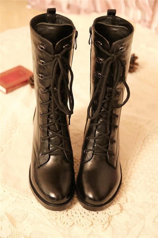 Lace-up Vintage Boots