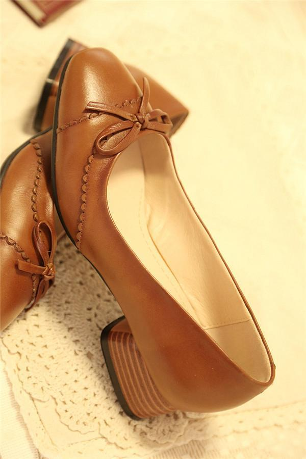 Front Bow Vintage Pumps