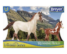 Load image into Gallery viewer, Breyer Running Wild Mustang Set
