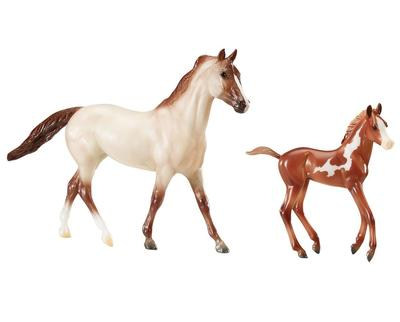 Breyer Running Wild Mustang Set
