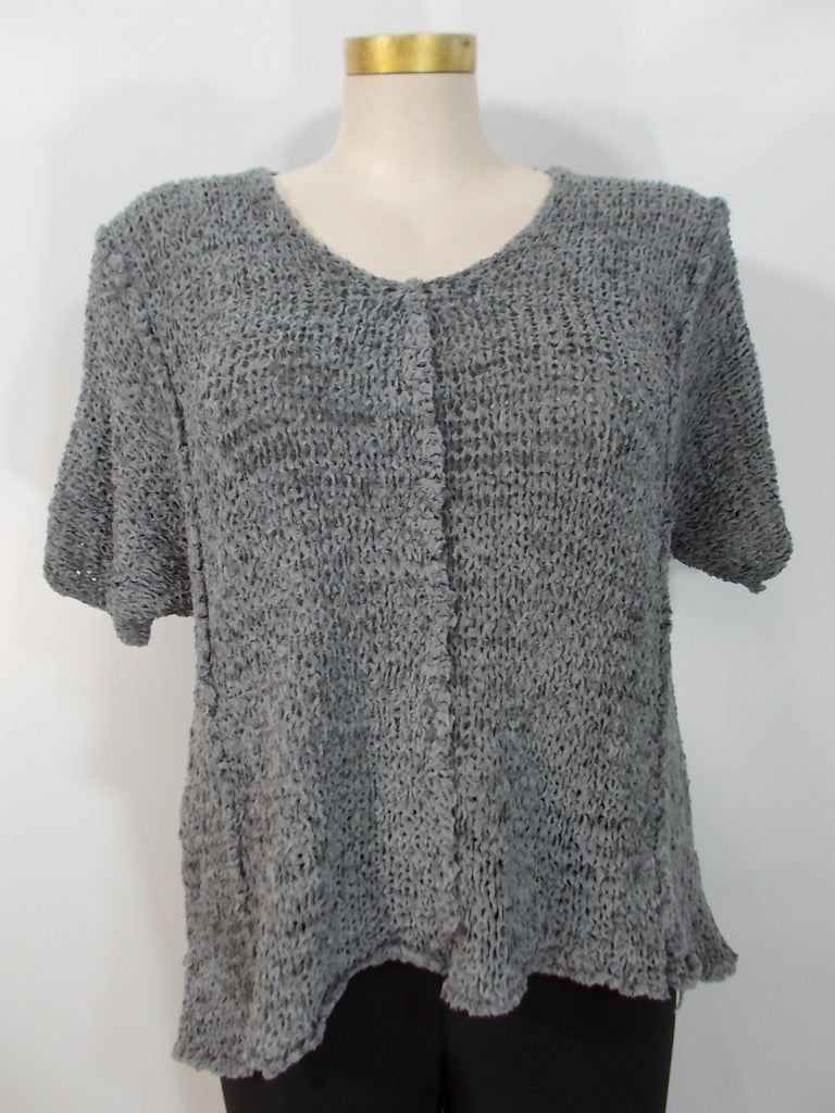 B&K Moda - Grey Short Sleeve V-Neck Fray Yarn Aline Vest - Linnea's Boutique & Vera's Threads