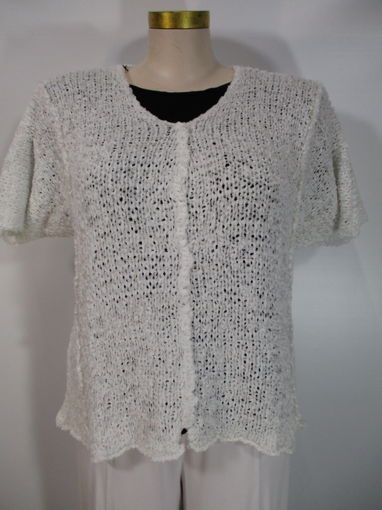 B&K Moda - White Short Sleeve V-Neck Fray Yarn Aline Sweater - Linnea's Boutique & Vera's Threads