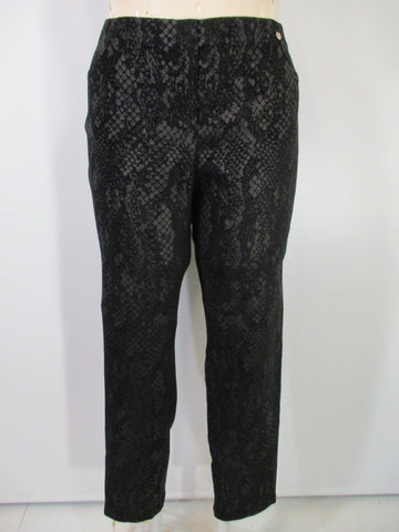 Robell - Black/Black Faux Zipper Marie Snake Print Back Pockets Slim Pant - Linnea's Boutique & Vera's Threads
