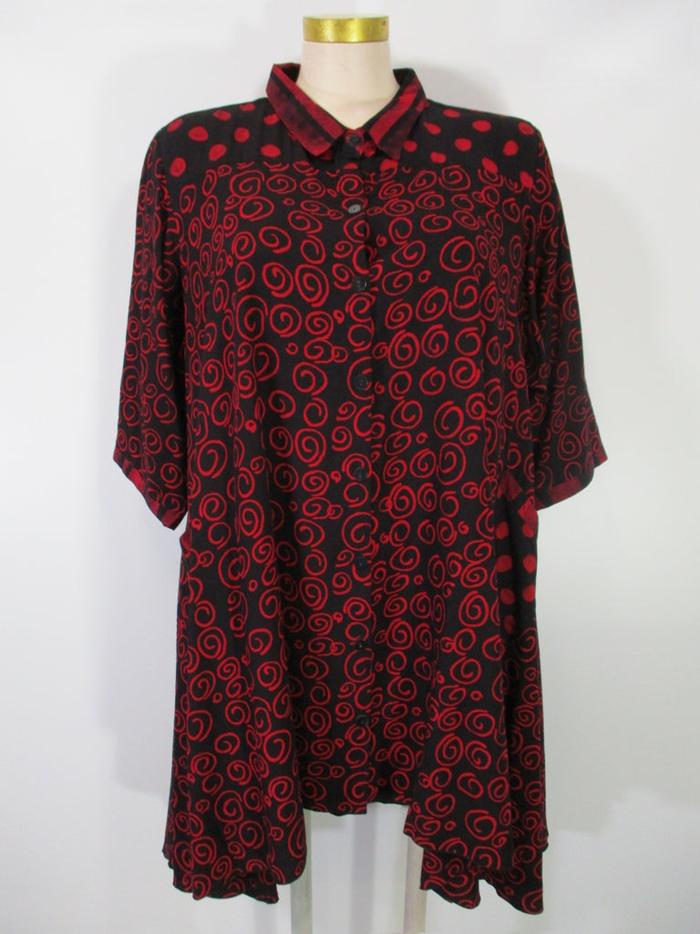 Iguana - Red/Black Handpainted 3/4 Sleeve Meefah 2 Pocket Swing HiLo Duster - Linnea's Boutique & Vera's Threads