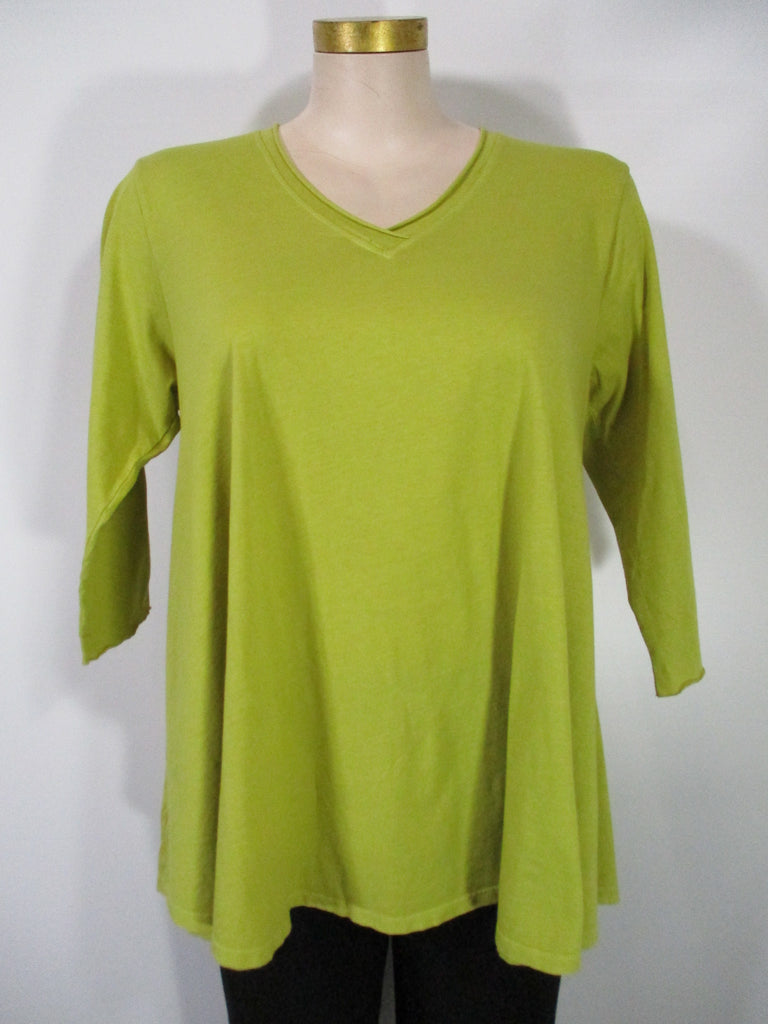 M Square Essentials - Grass 3/4 Sleeve V-Neck Generous Swing Tunic Tee