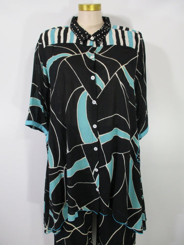 Iguana - Aqua/Black/White Lightweight Handpainted 3/4 Sleeve Meefah 2 Pocket Swing HiLo Duster - Linnea's Boutique & Vera's Threads