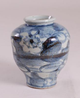 blue white ming vase medium round