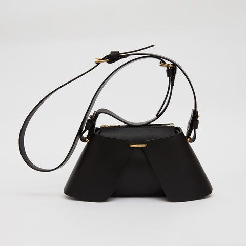FOLDED TRIANGLE BAG BLACK