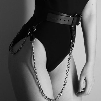 CHAIN BELT RED