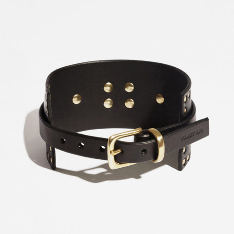 CORNER STUDDED COLLAR BLACK
