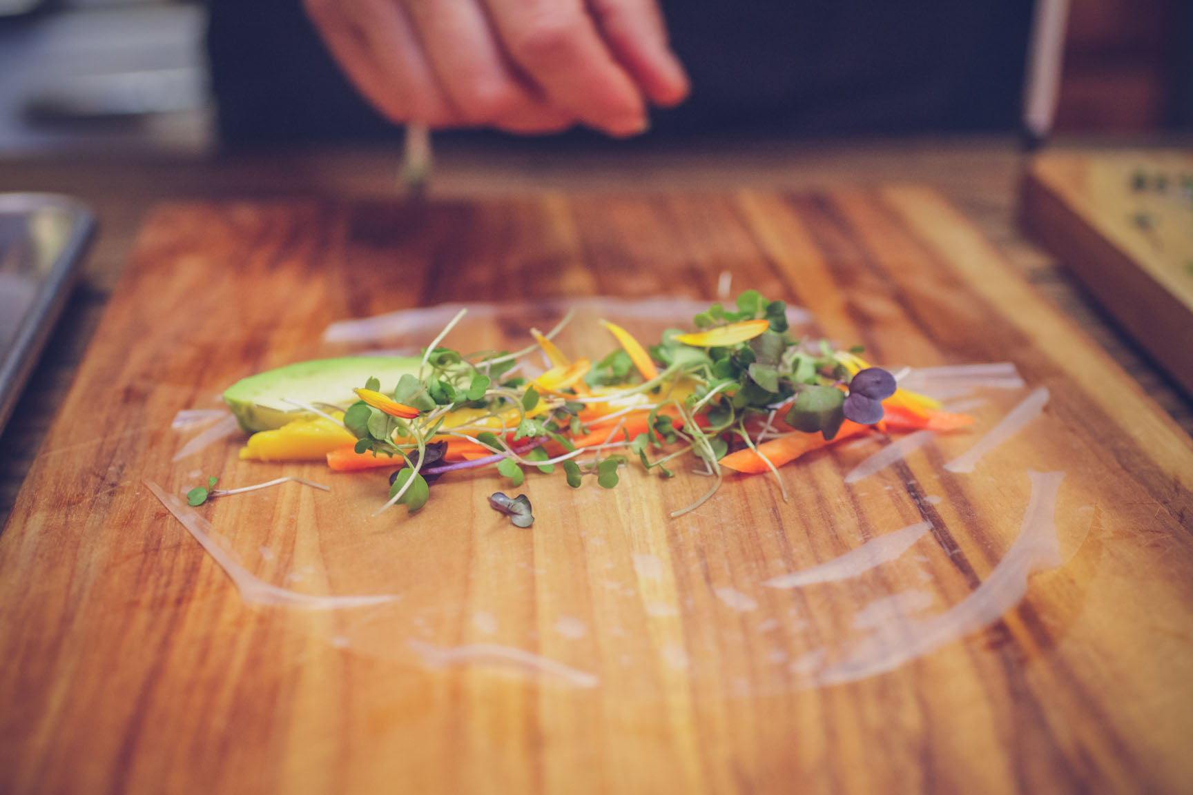 arrange ingredients on rice paper
