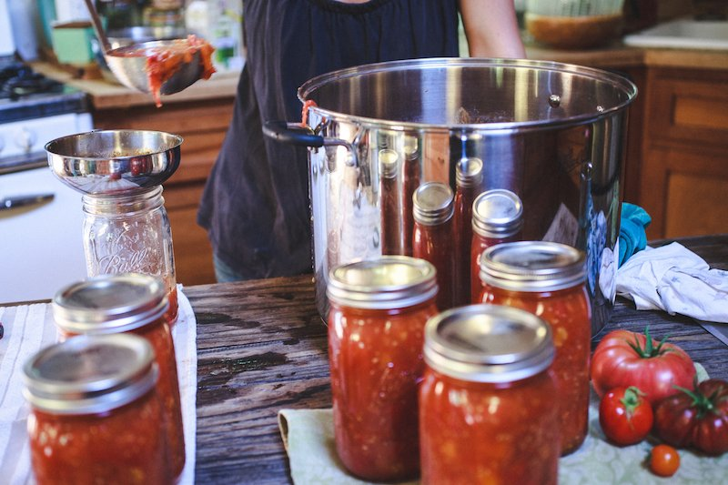 tomato canning tips - homestead knowledge