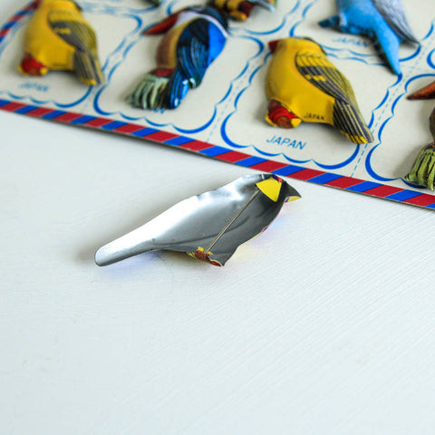 Retro Tin Brooch Party Favour Set 12
