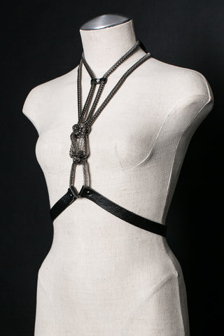 KNOT NORMAL Chain Halter Harness