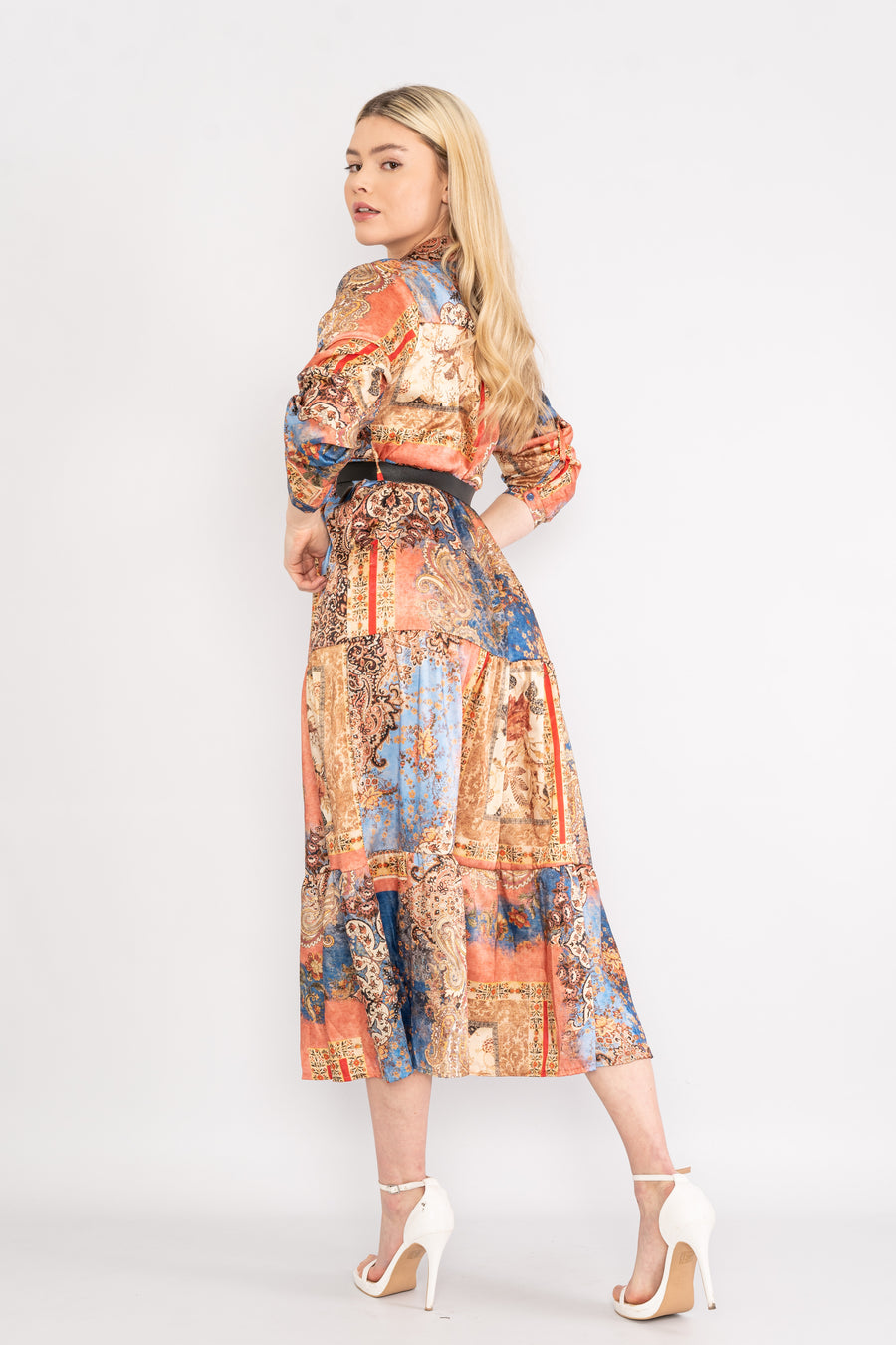 Midi patterned dress with belt.