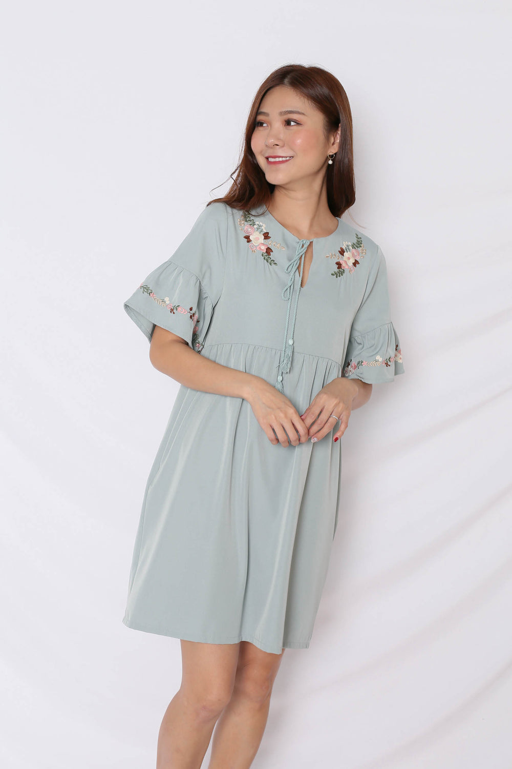 (PREMIUM) GYPSY EMBROIDERY TASSEL DRESS IN MINT