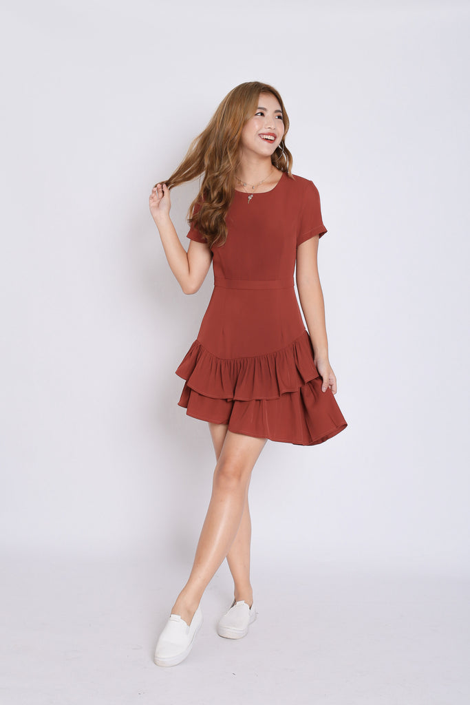 (PREMIUM) HAILY RUFFLES LAYERED DRESS IN BRICK RED - TOPAZETTE