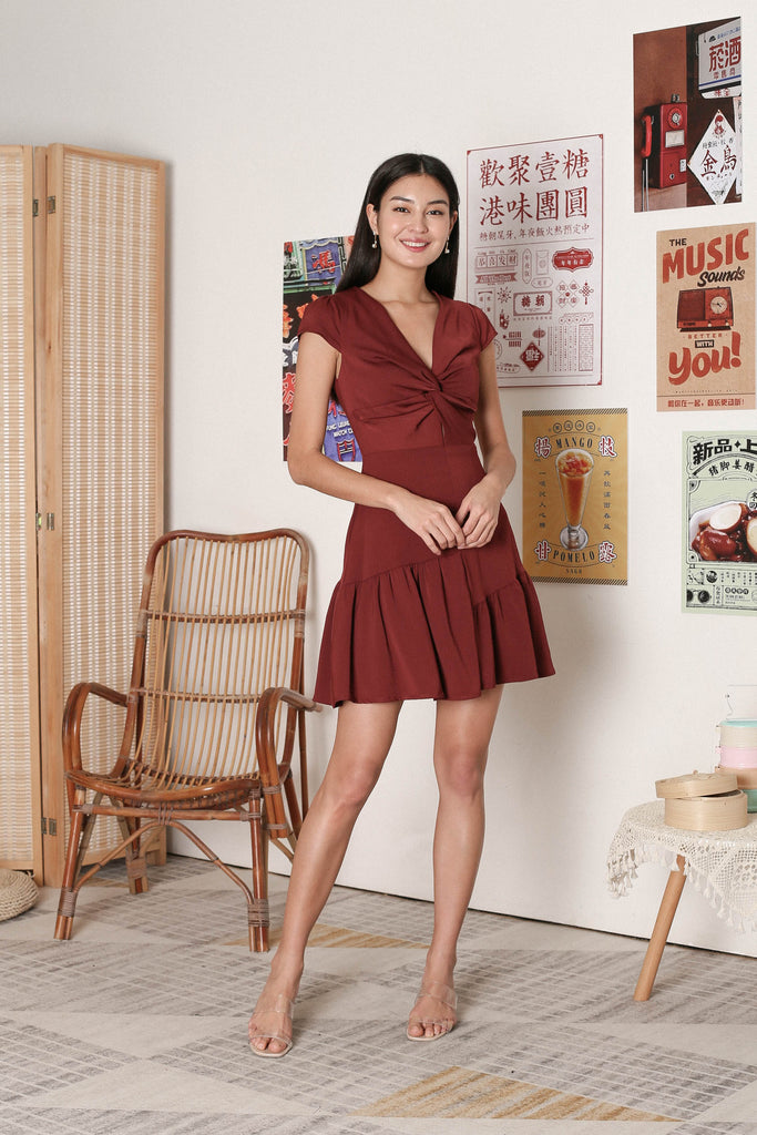 *TPZ* RITA TWIST FRONT DRESS IN BURGUNDY