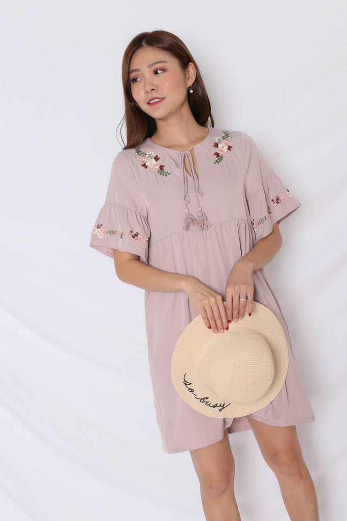 (PREMIUM) GYPSY EMBROIDERY TASSEL DRESS IN DUSTY PINK