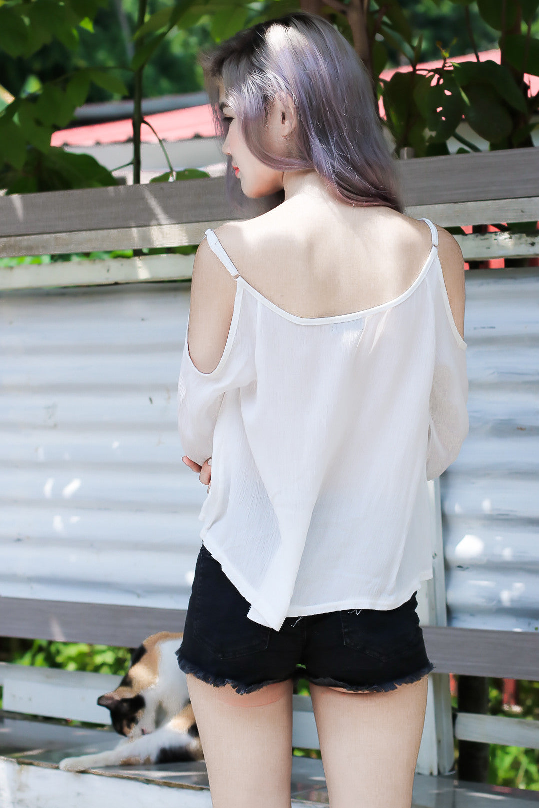 (RESTOCKED) #MADEBYTPZ SHOELACE COLD SHOULDER TOP IN WHITE - TOPAZETTE