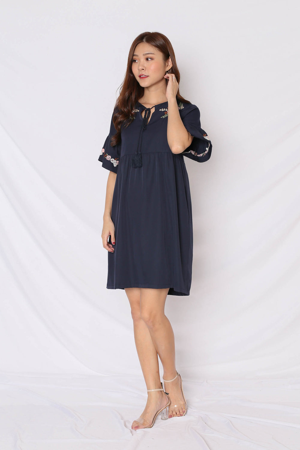 (PREMIUM) GYPSY EMBROIDERY TASSEL DRESS IN NAVY