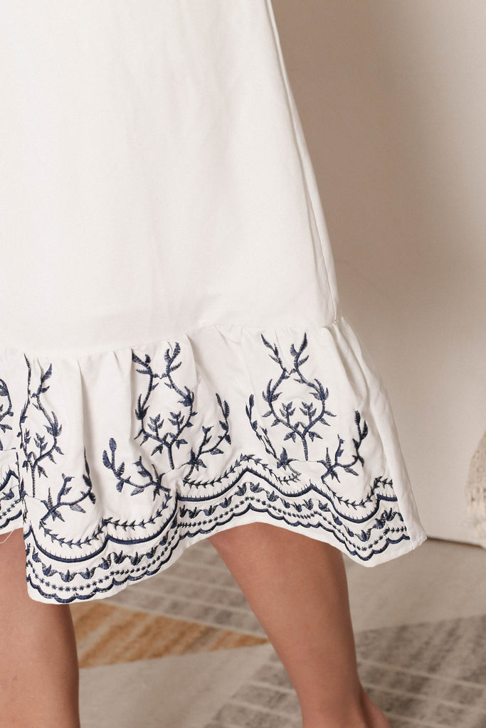 *PREMIUM* LOIS EMBROIDERY DRESS IN WHITE