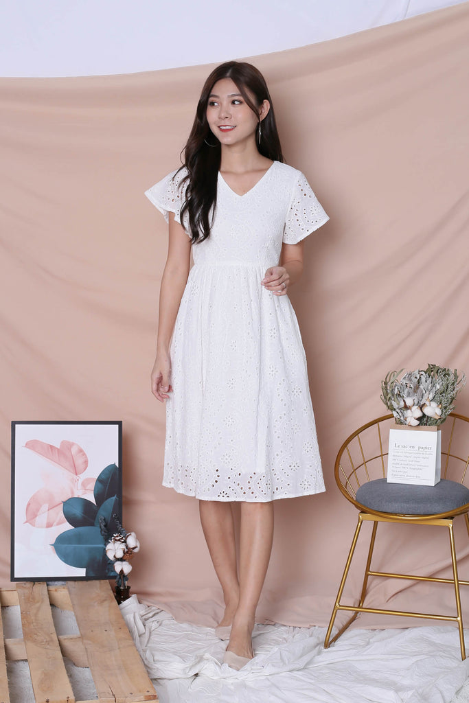 *TPZ* (PREMIUM) FAYE EYELET DRESS IN WHITE - TOPAZETTE